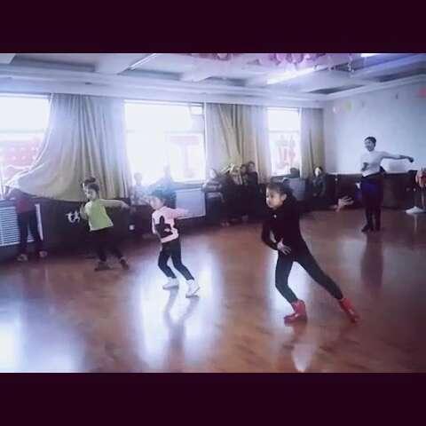 城东幼儿园六一儿童节舞蹈视频拉丁舞感觉自己萌萌哒