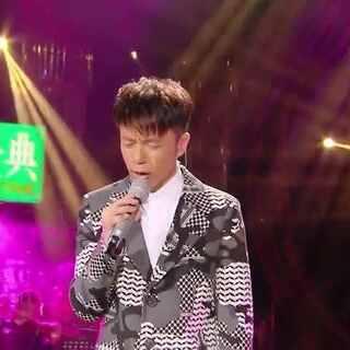 #音乐##张国荣#李克勤昨晚在我是歌手唱哥哥的《风继续吹》,太动人!😭(请加微信:rrryin,全是最经典的好歌,随意听)