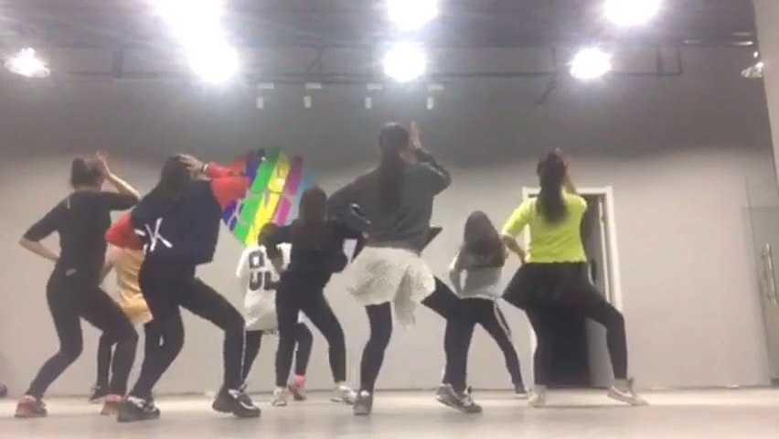 爵士舞培训SKY爵士舞交流中心美女热舞第二组宝宝们