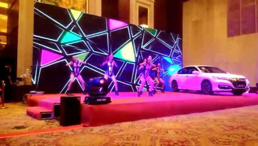 D&M唱跳女团再接再厉#舞蹈##性感热舞##舞蹈演出