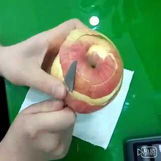 #直播削苹果##会削苹果的女生最帅#