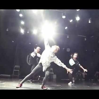【嘉禾舞蹈工作室】玉婷老师@Mathilda_玉婷 编舞 Colors | 想学最好看最流行的舞蹈就来嘉禾舞蹈工作室,新学期开课火爆进行中。报名热线:400-677-8696。微信账号ilovezaha。网站:http://www.jiahewushe.com #舞蹈##嘉禾舞社##嘉禾#