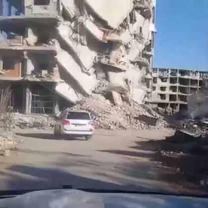 现场直击:自叙利亚冲突发生五年来,人道救援车队首次抵达受围困地区德拉雅。