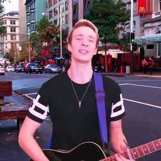 #罗艺恒#吉他中英文翻唱#四叶草#可爱歌曲#好想你#。新浪微博:罗艺恒,微信公众号:米西克传媒。