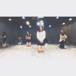 #韩舞教学合集##日韩mtv舞蹈##不要急fantasy#八月的第一期MTV以一首闷闷的性感风舞蹈开头😁动作不难感觉很重要哦!期待拍视频时候你们的表现😎(还在纠结下期教什么🙈所以‼️有喜欢的MTV舞可以在美拍下留言👇🏻要分解的也可以私信🙌🏻)@南京1758爵士舞 #敏雅舞蹈##我要上热门!#