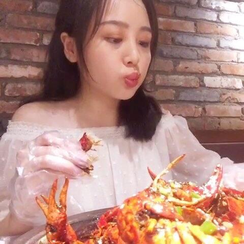 #大胃王挑战##v龙虾开始#吃小龙虾吃完就吃饭视频雁非洲图片