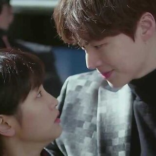 果然这种少女心情节看多少遍都不会腻… #韩剧##灰姑娘与四骑士##安宰贤#