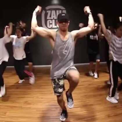 【嘉禾舞蹈工作室】小飞老师@Sugar-$aKing Hip hop课程视频Shell Shocked | 嘉禾新学期9月10日开始上课,现在火爆报名中,想学最好看最流行的舞蹈就来嘉禾舞蹈工作室。报名热线:400-677-8696。微信账号zahaclub。网站:http://www.jiahewushe.com #舞蹈##嘉禾舞社##嘉禾#