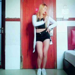 #美拍大师##美拍大师#全孝盛的这只舞真的好锻炼人的耐心😓动作真的好多好繁琐,中间跳错了,后面结束的也好突然😂#舞蹈##我要上热门##全孝盛- find me##@敏雅可乐##韩国舞蹈#