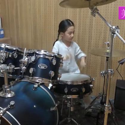 #音乐#小萝莉架子鼓演奏《灌篮高手》,碉堡了!(请加微信 rrryin 分享的全是最精彩的音乐,随时看哦😘)