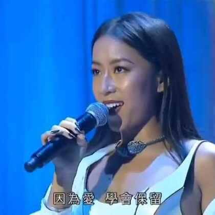 昨晚在《香港同胞庆祝中华人民共和国成立六十七周年文艺晚会》演唱,为祖国母亲庆生❤❤