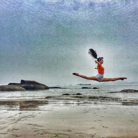 【陈念灵美拍表情文】#jumping##跳起来!##一起来劈叉...