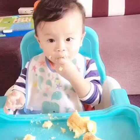 #宝宝吃面包#可怜的面包被你柔腻成酱紫 - 小楚