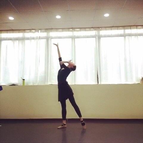 Lily视频倩倩老师视频短央视-沈小的美拍舞蹈财经舞蹈图片