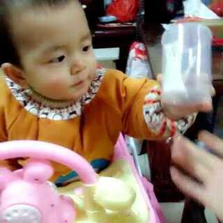 #梦丽##宝宝成长记录#8个月