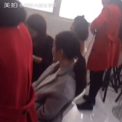 绣班] [时尚T台舞台创意妆] [新娘化妆造型班] [影视特效班] [美甲创业图片