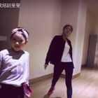 感谢美丽的Yuki老师编的#舞蹈#,让莹莹#宝宝#今晚客窜一把,视频好高大上啊😱,快点来围观😄。#逆天小舞者#@宝宝频道官方账号 @舞蹈频道官方账号
