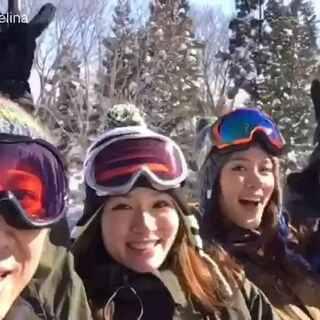 不得了 老公要成制片了 😳 这是今年1月在日本滑雪的一些点点滴滴。。最后一张照片 有点突然但是绝对是亮点 😂😂😂#幸福##单板滑雪##滑雪##日本##孕妈妈##女神##mrsjj#