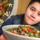 #烤鸡厨房#夏洛克吃了都说好的——酸汤肥牛!!新浪微博👉👉http://weibo.com/u/1897509683 👈👈 评论里继续送咱的小台历!~顺便说一说你们年夜饭想吃什么,我来做😉!!#美食#