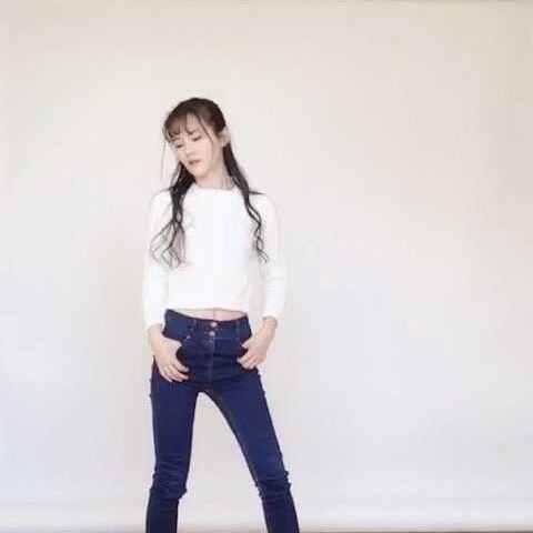 因为脚伤现在才终于录了sev自习室女孩e鬼步舞,毫无舞蹈基础对着视频教