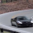 有差距 道奇蝰蛇加速对比法拉利458