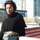 贾青×香蕉街拍:光着脚丫在屋顶唱歌