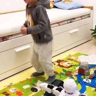 #宝宝#外有广场舞大妈,家有秋裤乱舞少年!