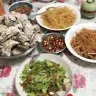 我说什么来着,昨天吃美了,今儿脸plus!老妈订了五斤生蚝,我受累帮忙消耗一下!#吃秀##美食##锅儿姐就不嚼#