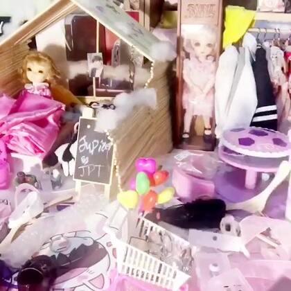 #BJD##手工# 来啦!! 用一次性筷子自制的娃屋🌚🌚 弄了共5个多小时,其实真的是个大工程😂还弄小了,只能住6分和8分 4分勉强可以~ 下次琢磨琢磨用纸箱弄娃屋吧~希望大家喜欢这个教程🌚