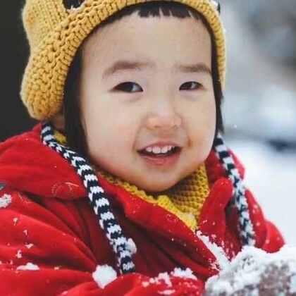 上午还这么厚的雪,下午竟然化干净了。#可爱吃货小萌妞##吃货小蛮##小蛮26个月#