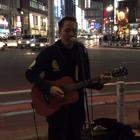 东京街头日语版《海阔天空》,女孩一开始不知道他是中国人,后来瞬间泪奔!(请加微信公众号 rrryin 每一首歌都为你精心挑选,记得是搜公众号哈,别错过伴你这么久的良心音乐号😊)