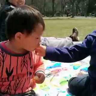 动物园野餐之土豆哥哥是暖男