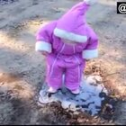 #宝宝#一只粉红色的小可爱!看到最后……哈哈哈对不起我没忍住😂@美拍小助手 喜欢请点赞+转发,更多精彩请关注微博:一起看MV