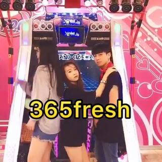 #365fresh#跳舞机三人版的来啦(版本一)~顺便剧透一下,外景男神担当@安安🌚 哦👏🏻👏🏻,@洛清白
