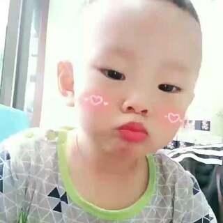 我是小帅哥,么么哒😘#宝宝##热门#