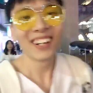 #模仿陈意涵大赛#哈哈哈哈哈哈哈哈哈我穿梭在泰国街头!哈哈哈哈哈哈哈哈哈,小鹿呢?😂#白眼先生#