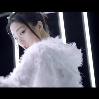 #嘻哈音乐速递# YAMY _ 乌鸦 [ OFFICIAL MV ] #美拍有嘻哈##音乐#