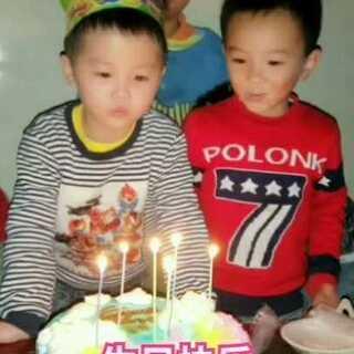 #生日快乐##宝宝#六周岁啦,生日快乐!小伙伴们给哥哥过生日,只有这个红衣小哥哥最助场了[鼓掌]#我要上热门#@美拍小助手