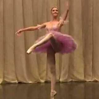 #舞蹈##芭蕾#逆天长腿,仙女在凡间