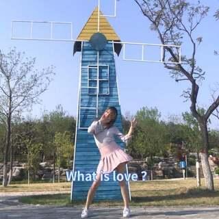 #舞蹈##问号舞##twice - what is love# 吹啊吹啊我的骄傲放纵??????唐山的春天能不能不刮风~全程头发糊脸 想要分解戳戳赞~