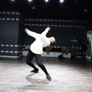 Mango 芒果 choreography / Sia - The Greatest #美拍##舞蹈##我要上熱門#@美拍小助手