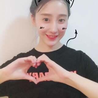 #学猫叫手势舞#一只黑猫 喵~喵~喵