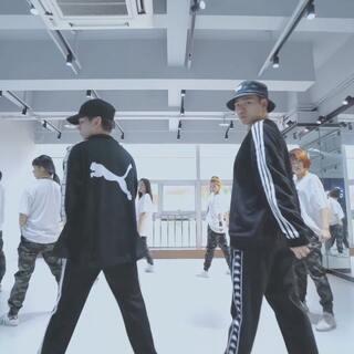 来自DONG编的Burnin'Up??我在哪啊 #精选##舞蹈#