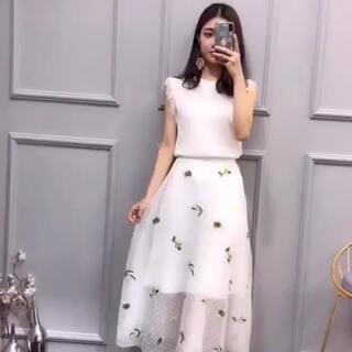 #时尚穿搭##变个衣服穿##女神穿秀#很仙哦哦