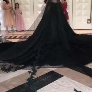 黑色婚纱新娘,高贵,优雅,神秘,想看正面嘛
